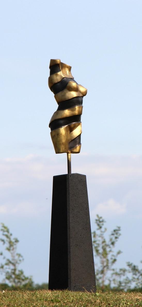 TURNING TORSO III – ekte bronse