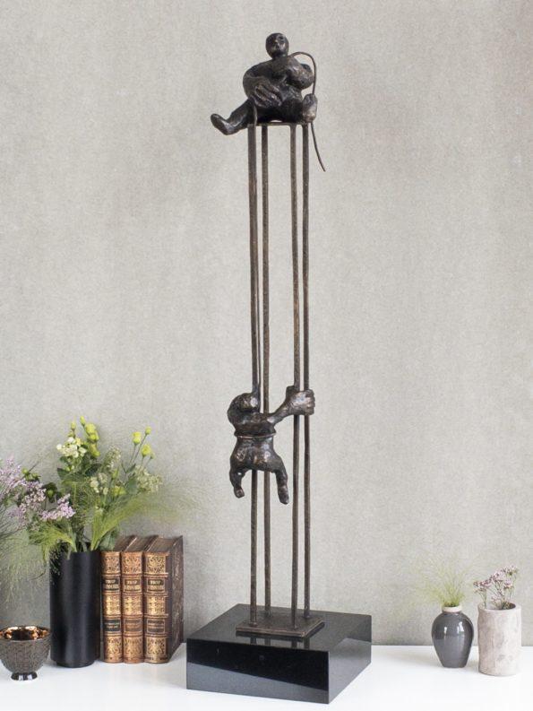 VED FÆLLES HJÆLP - ægte bronze